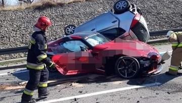 Dwa wypadki na zakopiance w kwadrans. Jeden z kierowców uciekł, porzucając auto