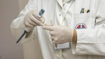 Podatek cukrowy, więcej funduszy na profilaktykę. Co wiemy o strategii onkologicznej?