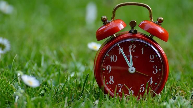 Zmiana czasu z zimowego na letni. Śpimy godzinę krócej