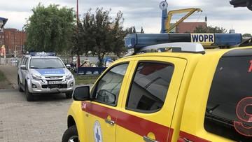 Godzinę reanimowali 9-latkę uwięzioną w przewróconej łodzi. Wypadek w Szczecinie