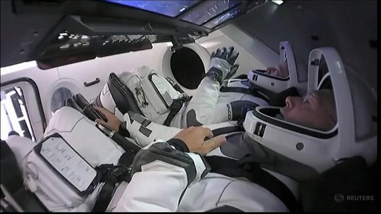 Kapsuła Dragon zadokowała na stacji kosmicznej