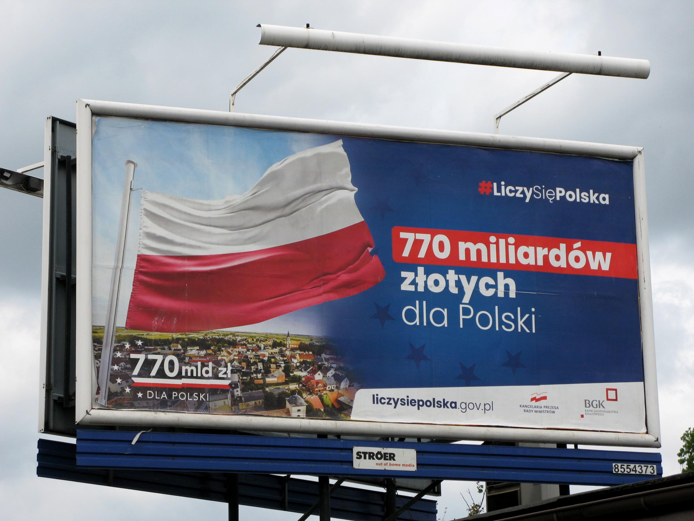 Jedna z wersji layoutu reklamowego kampanii #LiczySięPolska