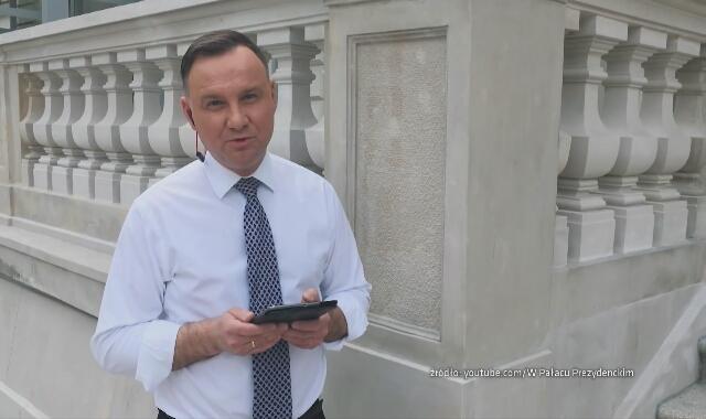 """""""Walczą z ostrym cieniem mgły"""". Andrzej Duda nagrał #hot16challenge2"""