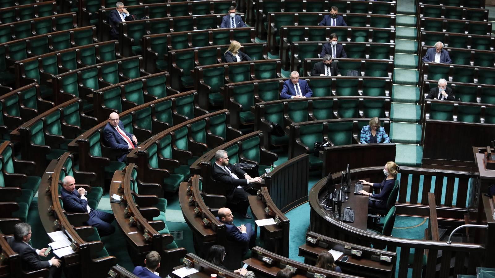 """Sejm przyjął ustawę antyprzemocową. """"To krok w dobrym kierunku"""""""