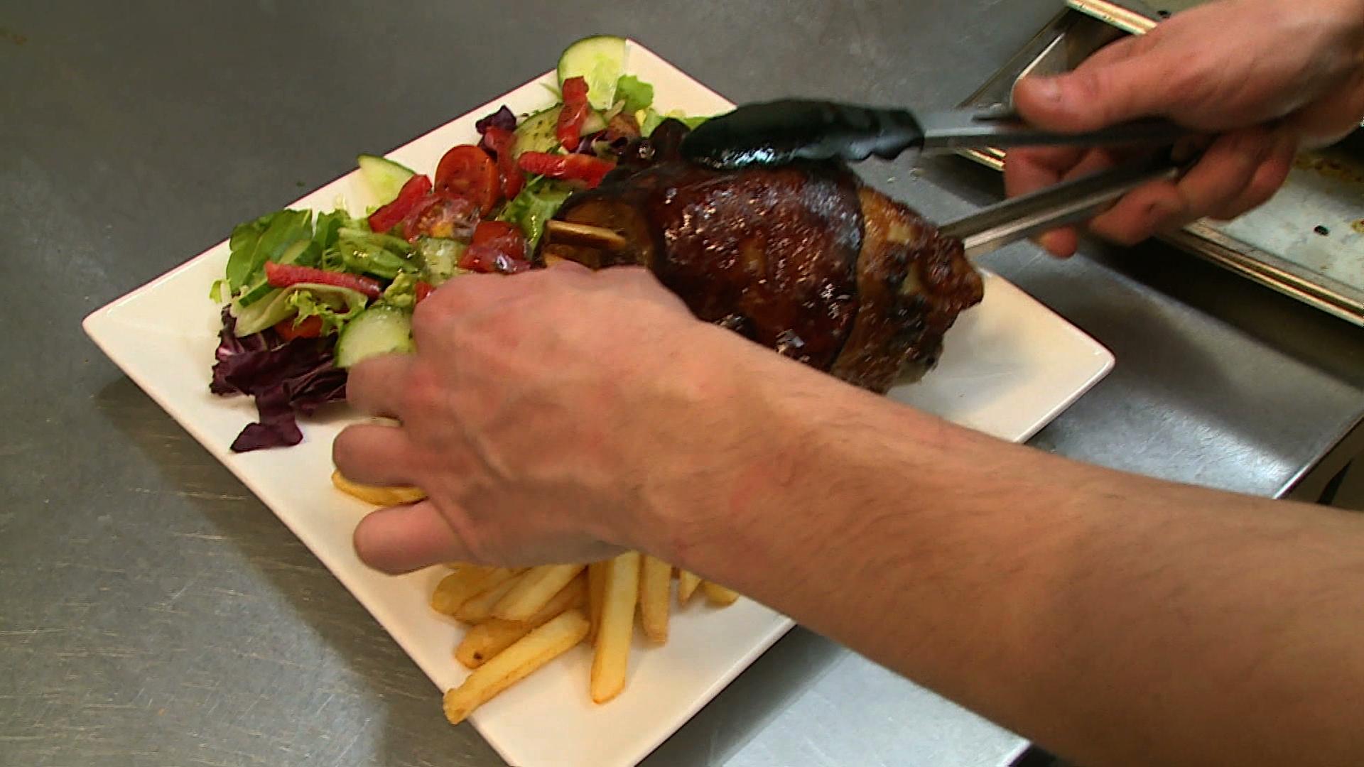 """Elastyczny wegetarianizm. """"Chodzi o to, żeby ograniczać"""" spożycie mięsa"""