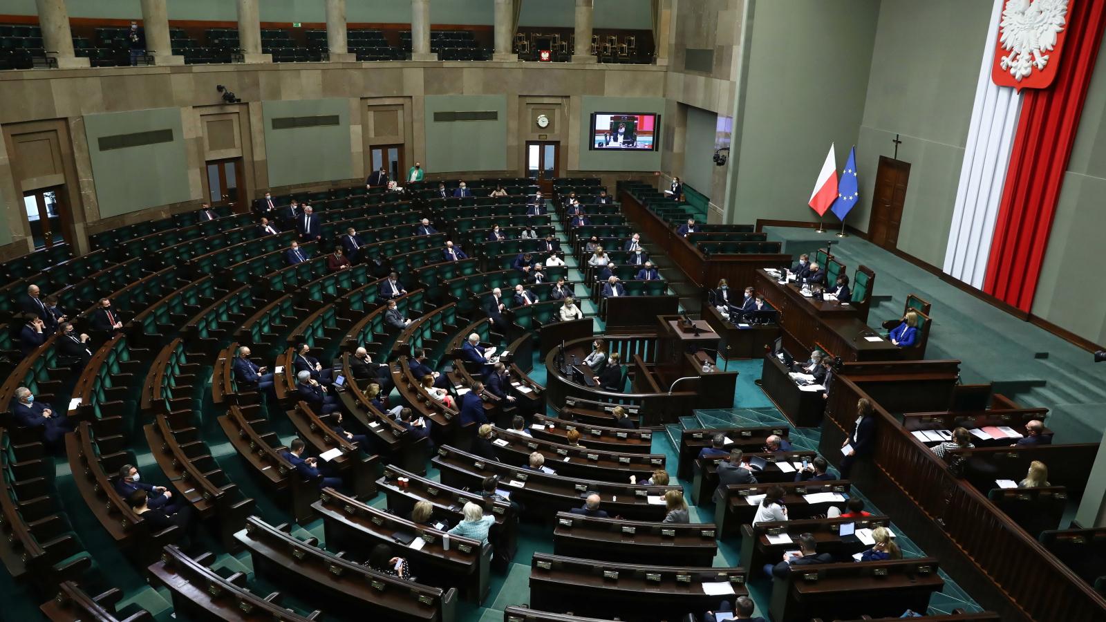 PO i PSL chcą nadzwyczajnego posiedzenia Sejmu w sprawie Funduszu Odbudowy