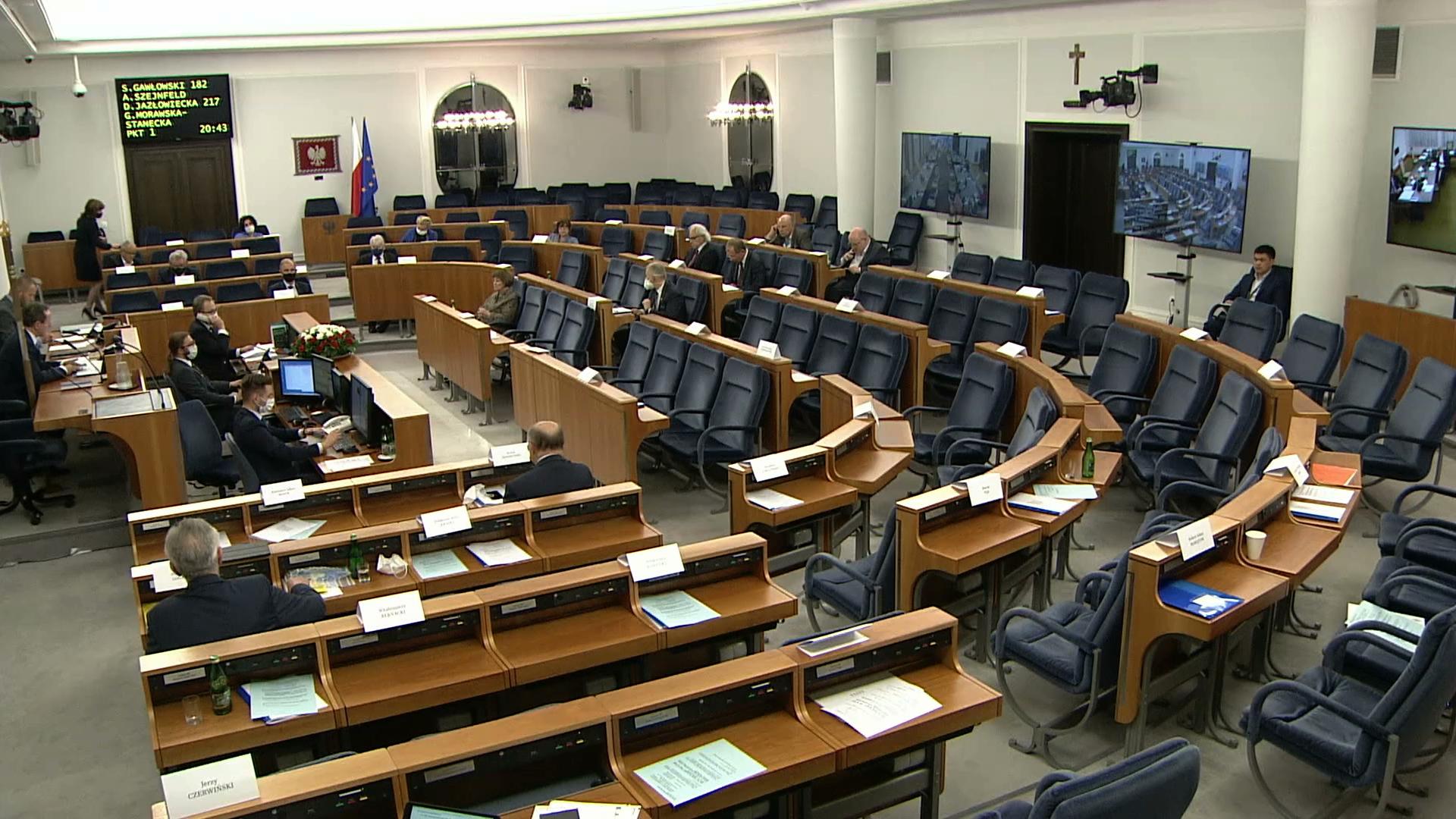 Senat odrzucił ustawę o głosowaniu korespondencyjnym, marszałek Witek wnioskuje do TK