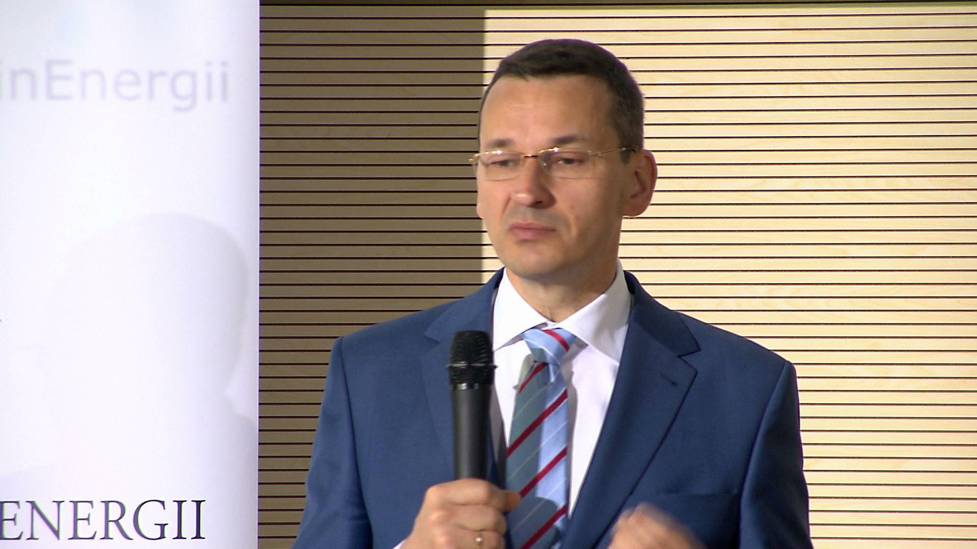 Wicepremier Morawiecki o planie rozwoju elektromobilności (materiał archiwalny)