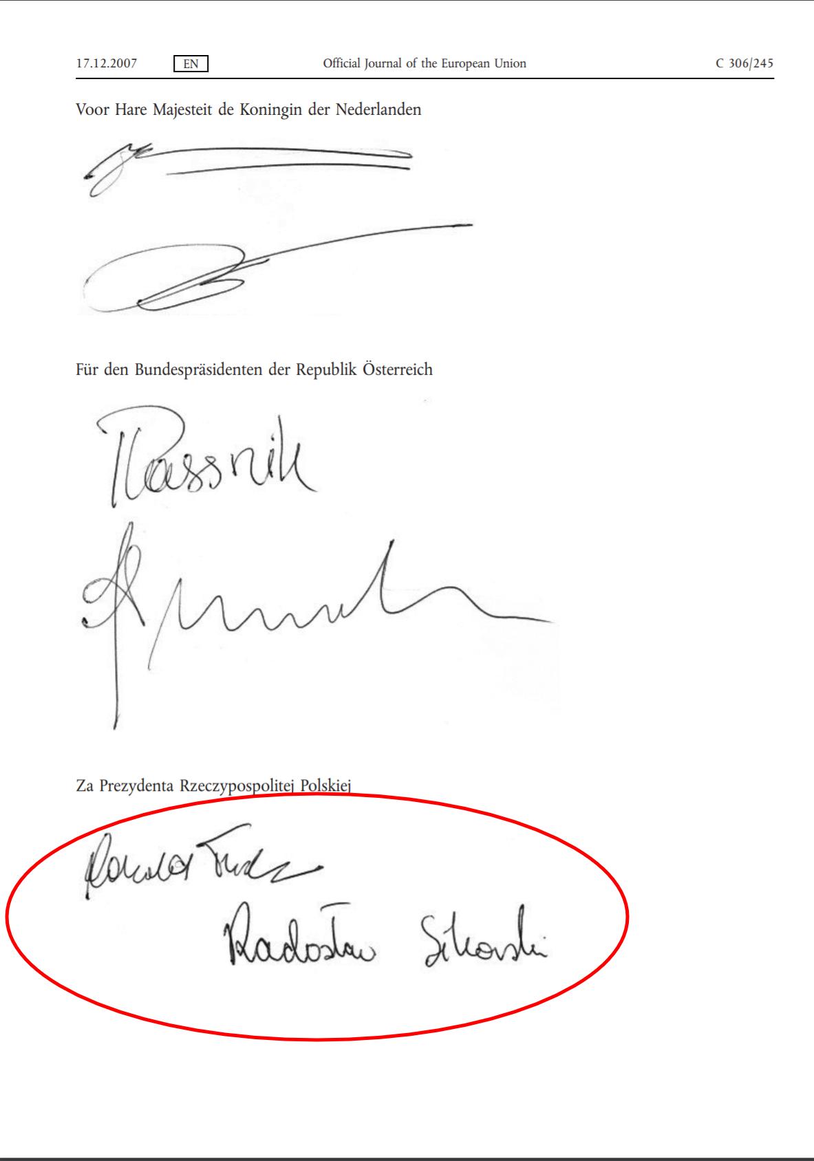 Podpisy Donalda Tuska i Radosława Sikorskiego pod Traktatem Lizbońskim