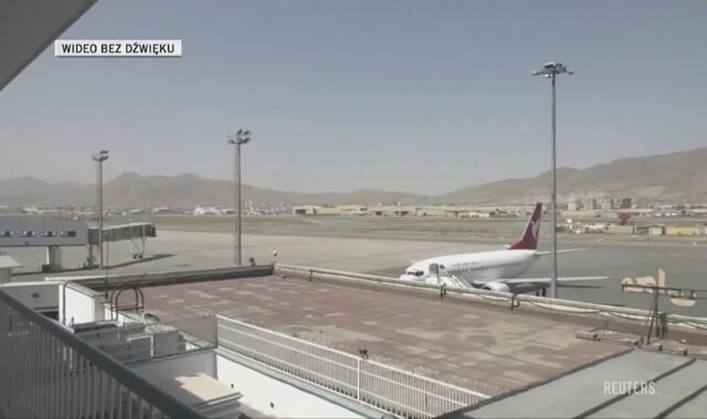 Lotnisko międzynarodowe w Kabulu po przejęciu władzy w Afganistanie przez talibów