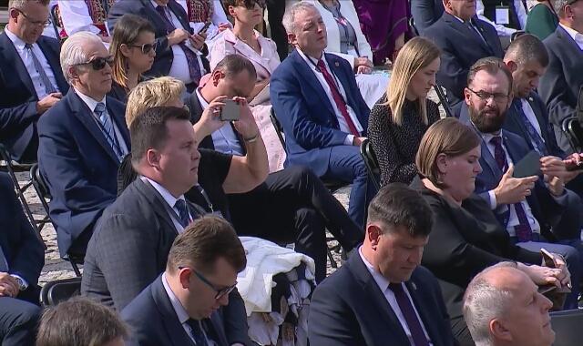 """Minister Ardanowski (głosował przeciw ustawie o ochronie zwierząt): """"Teraz są ideologie, które mówią, że mleko jest efektem gwałtu na krowach"""""""