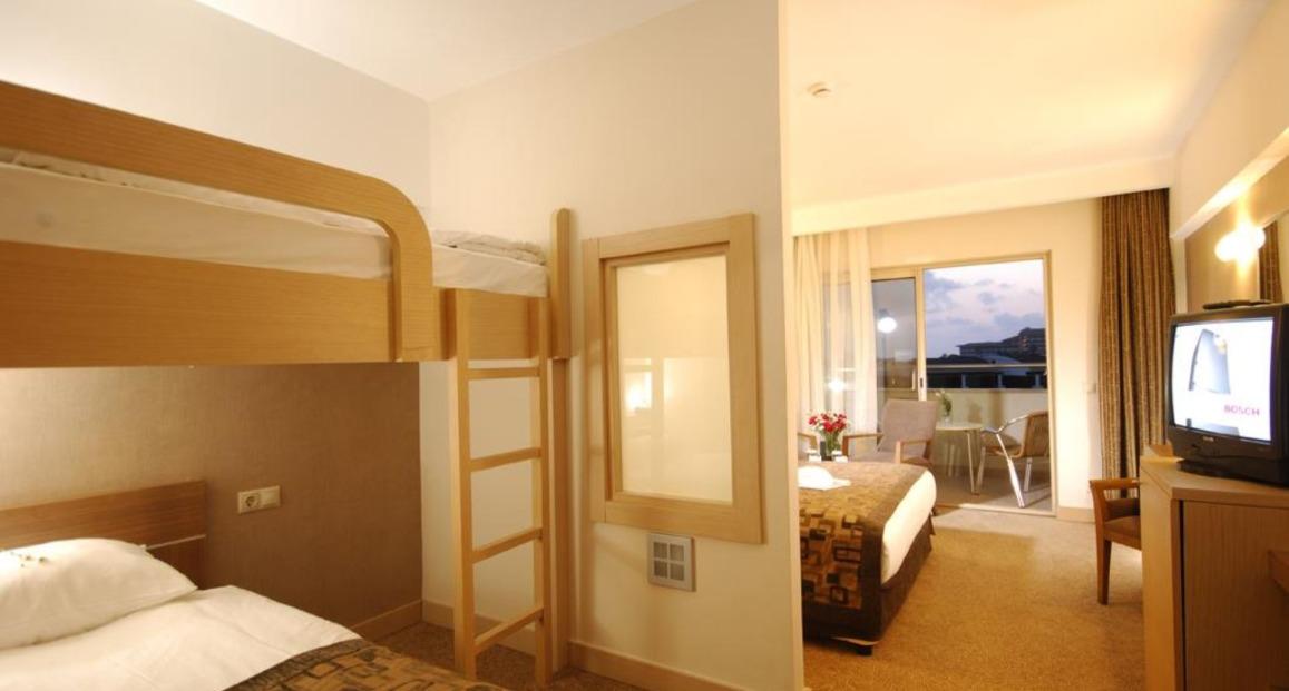 Kumkoy beach resort und spa riwiera turecka turcja for Hotel warnemunde familienzimmer